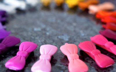 Neue Haarspangen in vielen bunten Farben